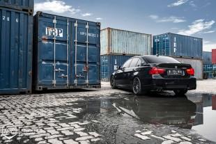 e90duo-02 (Contemporary Approach // BMW E90 3 Series Duo)